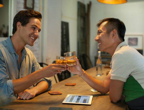 ¿Por qué tienen éxito las apps como Tinder?
